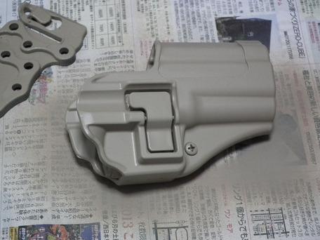 タミヤカラー「タン」で塗装2