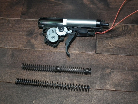 MP5K HCメカボオープン&スプリング比較