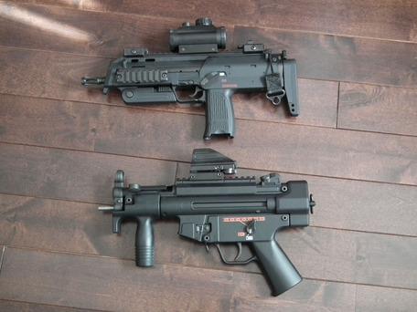 MP5KとMP7A1のサイズ比較