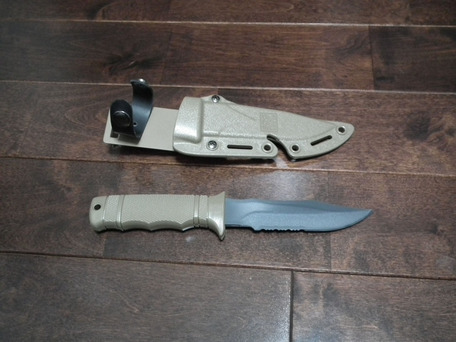 SOG M37 SEAL PUPナイフ ダミー 2
