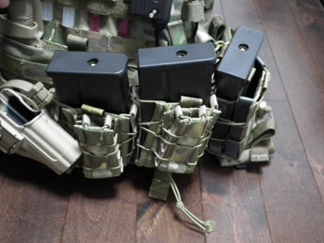 HK417マガジンとTACOマガジンポーチ1