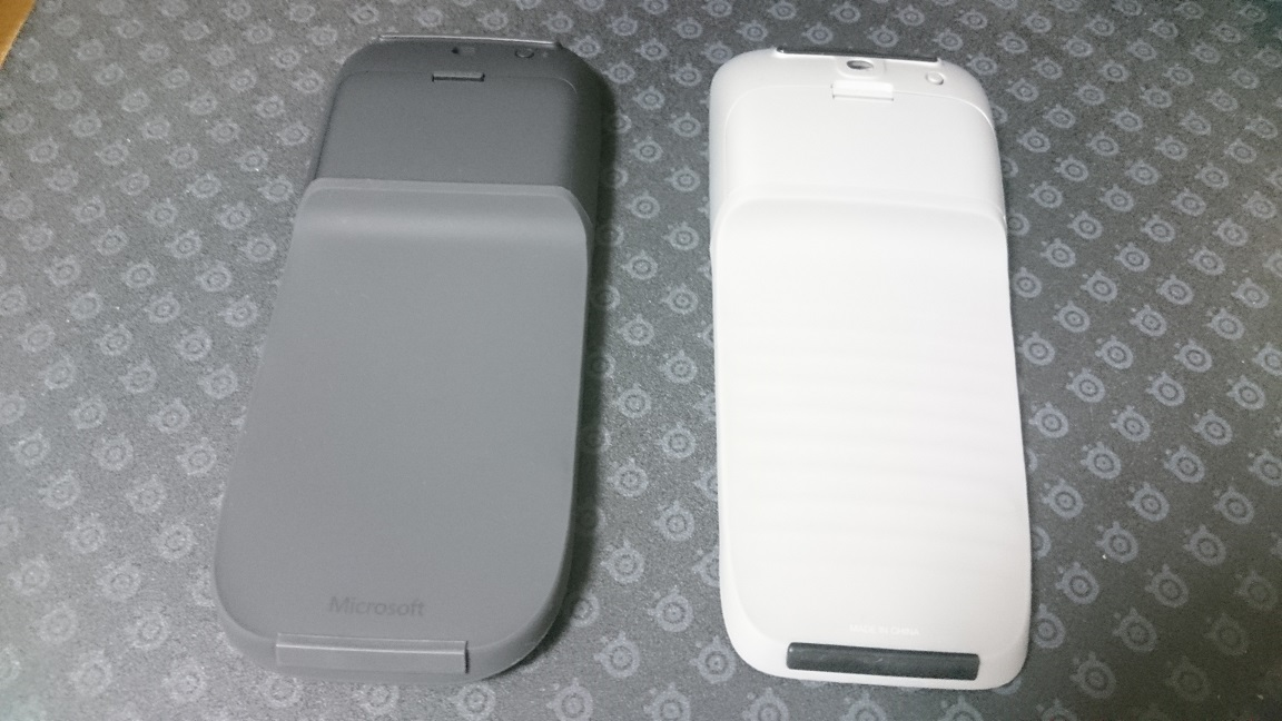 Microsoft Arc Mouse (ブラック) 比較4