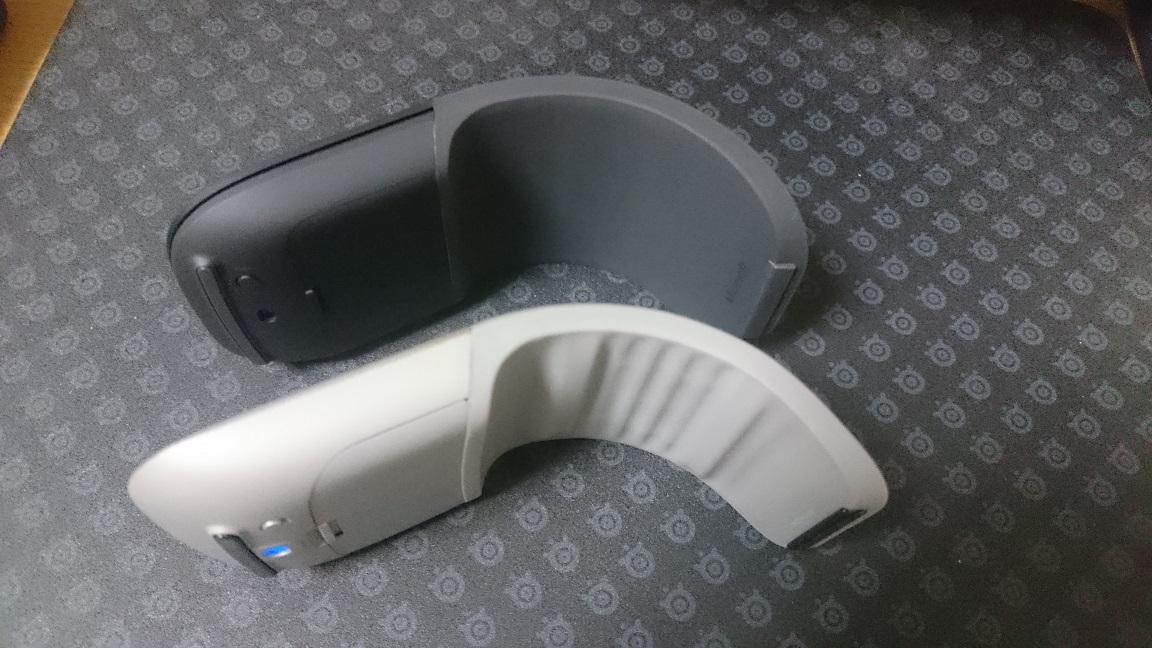 Microsoft Arc Mouse (ブラック) 比較5
